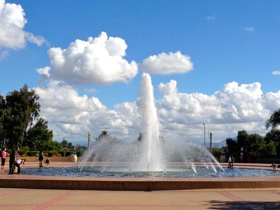 10-12_Fountain